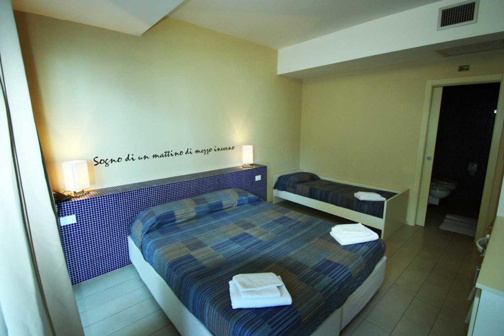 Camere albergo rossana isole tremiti bed breakfast for Camere albergo dwg